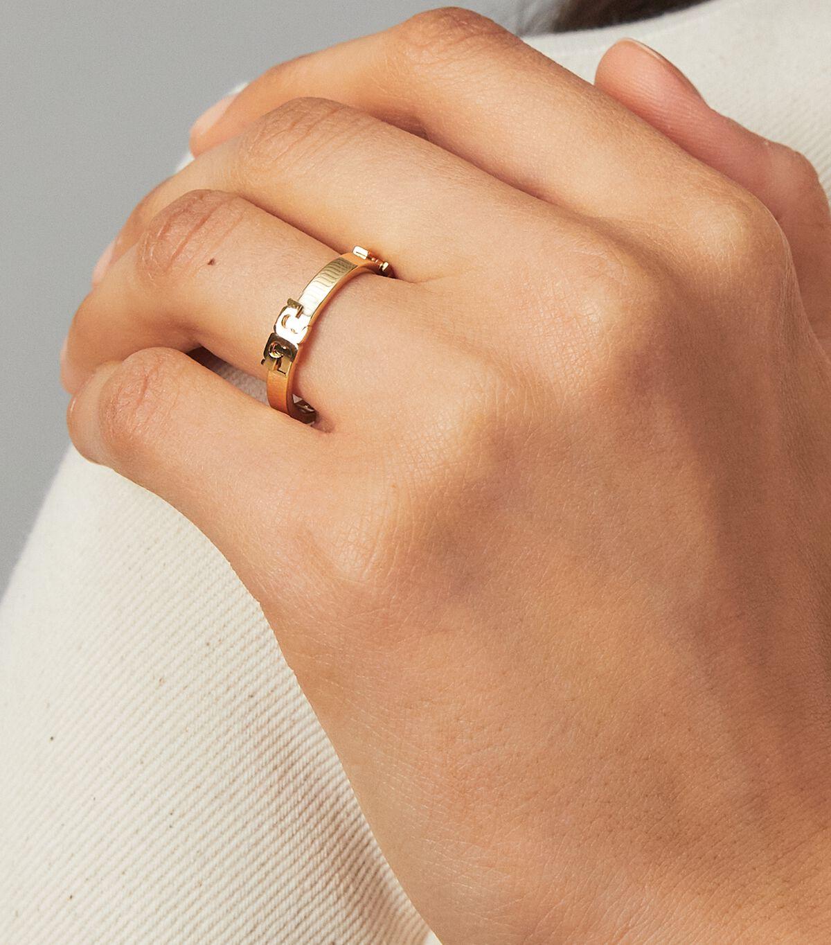 خاتم Serif-T معدني قابل للتكديس